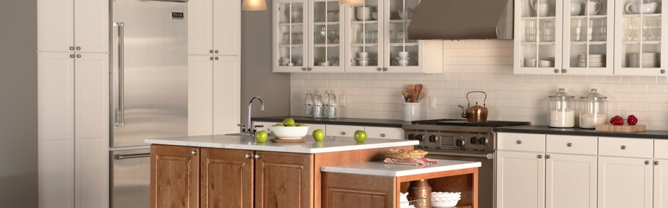 Concord_Maple_White_Kitchen_Duncan_R Cherry_Harvest_Island_Right